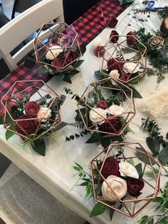 Amazing Wedding Decor Christmas Atmosphere 24 decorhead com is part of Wedding floral centerpieces - Visit the post for Perfect Wedding, Dream Wedding, Wedding Day, Trendy Wedding, Wedding Unique, Elegant Wedding, Wedding Ceremony, Wedding House, Wedding Pins