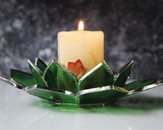 Christmas candleholder, Green waterlily candleholder, Stained glass tealight table decor, Green candlelight centerpiece, Bath decor for her