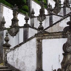 "The wonderful Baroque stairway at Bom Jesus de Monte Sanctuary in Tenoes Portugal elevated to ""Basilica"" status in 2015 by Pope Francis. #bomjesusdomonte #baroque #tenoes #northerportugal #basilicamenor #stairway . . #inspiration #explore #architecture #interiorarchitecture #interiordesign #interiors #design #home #homedesign #customhome #house #fineart #fineartadvisory #threedimensionalexperience"