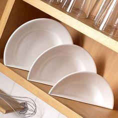 丸皿を切ったら自立するお皿になりました「Dish up」