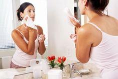 Como Aclarar La Piel Naturalmente.  Generalmente la mujeres son las que suelen cuidad mucho su apariencia física, especialmente el estado de la piel, ya que al sentirse belleza también les hace sentir orgullosas y seguras de sí misma. Seguramente que deseas aclarar tu ... Ver más aquí: https://comopintarselosojos.com/como-aclarar-la-piel-naturalmente/