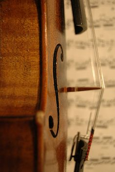 Violin with music by Photo Phiend, via Flickr