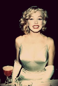 I had not ever seen this shot of Marilyn Monroe before.  I love it.