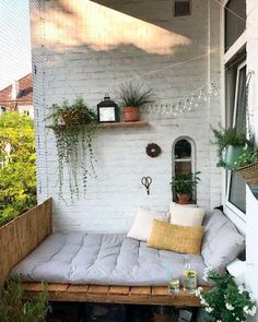 Our DIY bank is - Juhu! Our DIY bank is finally finished and we enjoy the great weather from now on in our summer liv - Apartment Balcony Decorating, Apartment Balconies, Apartments Decorating, Apartment Patios, Apartment Plants, Small Balcony Decor, Balcony Ideas, Small Balcony Design, Tiny Balcony