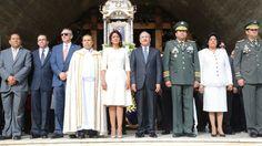 """Higüey.- El presidente Danilo Medina se unió a la celebración del pueblo dominicano con motivo del Día de Nuestra Señora de la Altagracia y pidió a todos aquellos que se desplacen por carretera tomar precauciones para que lleguen a sus destinos. """"Hoy celebramos con fe y alegría el día Nuestra Señora de la Altagracia, patrona…"""