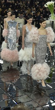 Ideas Fashion Show Chanel Couture Details Fashion 2017, Runway Fashion, High Fashion, Fashion Show, Fashion Design, Fashion Weeks, London Fashion, Spring Fashion, Style Couture