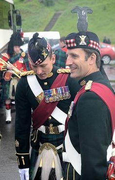 Something's got my Celtic blood bubbling! ~ Ceremony of the keys, Palace of the Holyrood, Scotland Scottish Army, Scottish Culture, Scottish Tartans, British Army, British Isles, Scottish Dress, Scottish Fashion, Scotland History, Scotland Uk