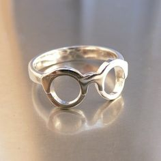 Haahaha amazing funny ring!    Harry Potter Le : Défi de Maiwenn ! - The Wedding Tea Room