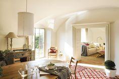 015 DSC2876. Acceso a salón desde comedor 015 DSC2876 Altea, Country Chic, Oversized Mirror, House Design, Living Room, Furniture, Home Decor, Showroom, Greece