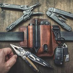 The Multipurpose Leather Sheath fits your Flashlight, Military Multi-Tool and EDC Gear. 😎 Tan Leather, Leather Wallet, Leather Bags, Edc Belt, Leather Working, Leather Craft, Handmade Leather, Mens Fashion, Urban Survival