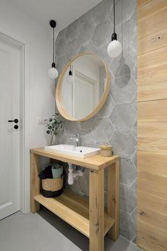 Casa familiar reformada inspirada en Bali Wabi Sabi, Bali, Patio Grande, Vanity, Mirror, Bathroom, Furniture, Design, Home Decor