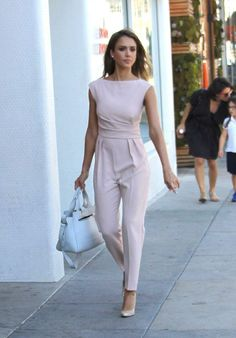 6 Celebrity-Inspired Bridal Shower Outfit Ideas: Jumpsuit Worn by Jessica Alba Casual Summer Outfits For Women, Sexy Outfits, Fashion Outfits, Skirt Outfits, Spring Outfits, Casual Outfits, Fashion Mode, Work Fashion, Street Fashion