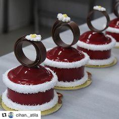 #Repost @cihan._atila (@get_repost) @bakelikeapro  Yeni ürünüm çilekli mus mascarpone kreması en üstte kahveli çikolata marshmellow ve kırmızı ayna sos ile süslediğim bi #pasta #cake #pastry #patisserie #chef #food #stawbery #mascarpone #chocolate #marshmello #red #glaze #pastrylove #foodporn #yalova #pastrychef @cihan._atila