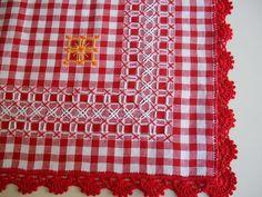 Artesanía, Manualidades, Labores :: Bordado Español Hardanger Embroidery, Hand Embroidery Stitches, Cross Stitch Embroidery, Crochet Stitches, Embroidery Patterns, Quilt Patterns, Crochet Patterns, Chicken Scratch Patterns, Chicken Scratch Embroidery