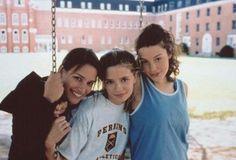 Piper Perabo, Mischa Barton and Jessica Paré - Lost and Delirious (2001) (500×339)