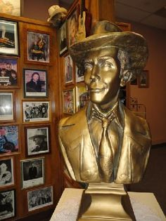 Montgomery - Learn more about country music star Hank Williams at the Hank Williams Museum