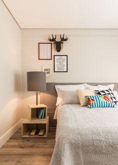 A grande mudança nos dormitórios foi substituir o piso, antes laminado, para vinílico.