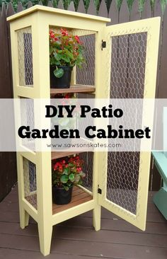 This DIY patio garden cabinet would be perfect for my deck! Love the color and the chicken wire panels! Plus, the plans show how to make it and it…