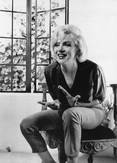 Allan Grant - Marilyn Monroe - July 1962 - at her Brentwood home during an interview with Richard Meryman for LIFE Magazine Marilyn Monroe Life, Marilyn Monroe Photos, Lee Savage, Hilario, Norma Jeane, Brigitte Bardot, Life Magazine, Hollywood Stars, Photo Sessions