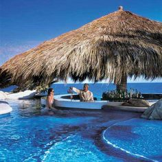 The swim-up bar & lounge at The One & Only in Los Cabos Mexico. by lea Backyard Pool Designs, Swimming Pool Designs, Swimming Pools, Pool Bar, San Jose Del Cabo, One And Only, Pool House Shed, I Love Mexico, Vinyl Pool