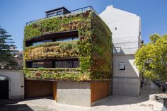 A Plant Covered Home: House Patrocinio by Rebelo de Andrade Photo