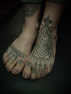 foot pattern. Love the geometry