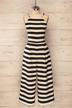 Le noir et le blanc seront toujours une valeur sûre. Black and white will always be a safe bet. Black and white stripes jumpsuit www.1861.ca