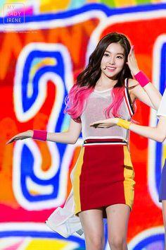 Red Velvet Irene live // She's so pretty Redvelvet Kpop, Red Velvet Irene, Stage Outfits, Seulgi, These Girls, New Girl, Kpop Girls, Girl Group, Bae