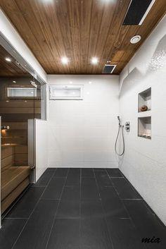 kylpyhuoneen laatoitus // bathroom tiling