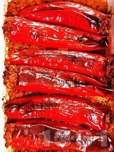 Пълнени червени чушки