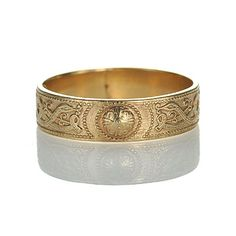 Gorgeous detail on this #Vintage #Irish Wedding Band