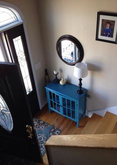 41 Entry Table Ideas to Liven up Your House in Details Split entry foyer. 41 Entry Table Ideas to Liven up Your House in Details Split entry foyer. Split Foyer Entry, Split Level Entryway, Entry Foyer, Entryway Decor, Front Entry, Entry Level, Front Doors, Split Foyer Decorating, Decorating Ideas