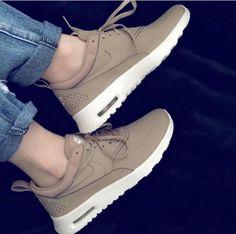 Shoe Tableau Images 2019 961 En Boots Shoes Du Meilleures qtUHWnH0