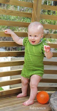 Spire - nydelig babyrumper i Semilla fino. Designet av Babyzonen for Garnkurven.no. Pakke med garn og oppskrift.