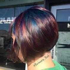 Some oil slick out in the sun ☀️#barberette_beth #portlandcolorist #portlandhairstylist #pdxhair #magdollshairparlour #magdollshair #magdollslovesyou #oilslickhair #oilslickhaircolor #dyieddollies #dyedhair #pravana #pravanavivids #pravanacolor #ilovemyjob #hairmagic #hairstylist #hairmakeover #hairlove #hair #imallaboutdahair #modernsalon #behindthechair