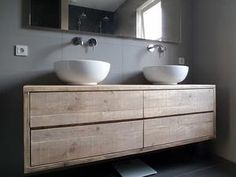 Scaffolding wood bathroom furniture top - Home - Ambacht Bathroom Basin, Wood Bathroom, Bathroom Cabinets, Bathroom Furniture, Bathroom Interior, Interior Design Living Room, Wood Furniture, Small Bathroom, Bathroom Drawers