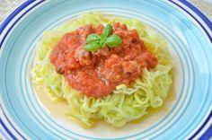 Spaghetti de Courgette com Bolognese de Salsicha Artesanal