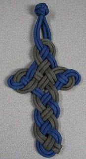 beautiful paracord cross. Links to multiple cross patterns.