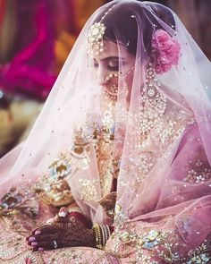Ideas for indian bridal dupatta brides Pakistani Wedding Outfits, Pakistani Bridal, Bridal Outfits, Indian Bridal, Wedding Dresses, Bridal Mehndi, Mehendi, Bridesmaid Dresses, Big Indian Wedding