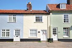 A charming Suffolk holiday cottage in Southwold - Dolphin Cottage