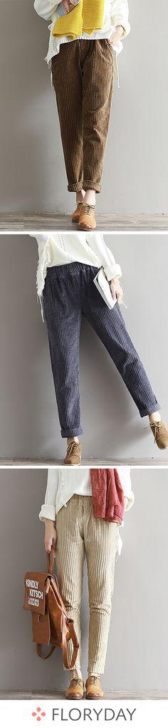 From classic to classic again, this is the secret of the perfect wardrobe. rnrnSource by aviscomacho Fashion Mode, Korean Fashion, Boho Fashion, Vintage Fashion, Fashion Design, Loose Pants, Inspiration Mode, Perfect Wardrobe, Mode Vintage