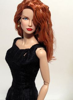 DOLLS  NICOLE KIDMAN - FASHION ROYALTY
