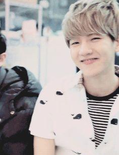 That eye smile and that blinding cheeky, teeth smile. [exo] Baekhyun