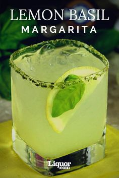 The Fresh Lemon Basil Margarita Tequila Time! The Fresh Lemon Basil Margarita! You'll love this herbal variation on your favorite tequila cocktail. Basil Cocktail, Cocktail Drinks, Cocktail Tequila, Basil Drinks, Party Drinks, Fun Drinks, Beverages, Beach Drinks, Gastronomia