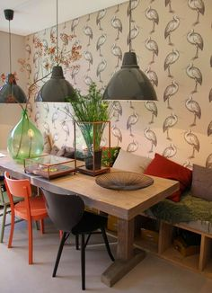 On Trend in Europe: The Handcrafted Hippie Home Look Living Room Seating, Dining Room Table, A Table, Table Legs, Mismatched Chairs, French Style Homes, European Home Decor, Best Kitchen Designs, Kitchen Ideas