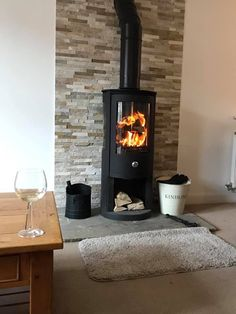 We proudly supply & install some of the greenest woodburning stoves in the world. We install throughout the York, Harrogate and Leeds areas. Wood Burner Fireplace, Modern Fireplace, Fireplace Ideas, Fireplace Design, New Living Room, Living Room Modern, Modern Stoves, Log Burner, Lounge Ideas