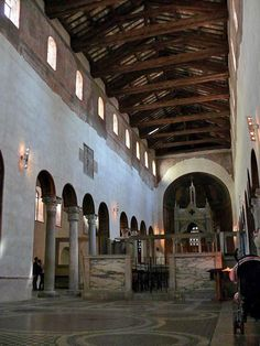 Santa Maria in Cosmedin-templom belso - Romanesque architecture - Wikipedia, the free encyclopedia