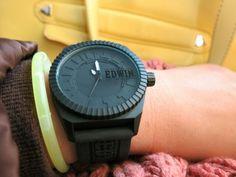 ขาย Edwin Watch รุ่น ClonED ตัวเรือนและสายเป็น silicone หน้าปัดขนาด 48 x 47.5 มิลลิเมตร ราคาปกติเรือนละ 2900 บาท ขายเพียงเรือนละ 1500 บาท ส่งฟรี มีสีดำ เขียวมิ้นท์ ชมพู น้ำเงินและสีม่วง สนใจติดต่อ bluemoon_179@hotmail.com http://www.zlabwatch.com/edwin/collection/cloned