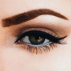 Gorgeous bronze eye makeup