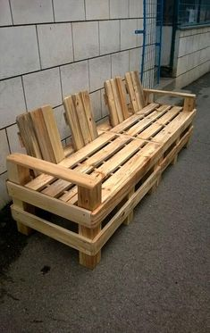 4 Seater Pallet Outdoor Bench or Sofa | Pallet Furniture
